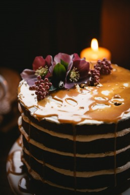 Fleurs sur wedding cake, fleurs de l'atelier Lilas Wood fleuriste mariage à lyon en Rhône alpes