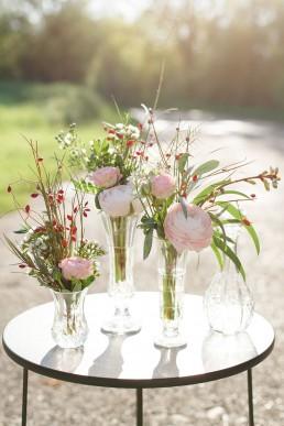 Fioles fleuries de l'atelier Lilas Wood fleuriste mariage à lyon en Rhône alpe