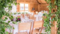 Centre de table et décor confectionnés par l'atelier Lilas Wood fleuriste mariage à Annecy, Genève, Chambéry, Grenoble en Savoie et Haute Savoie.