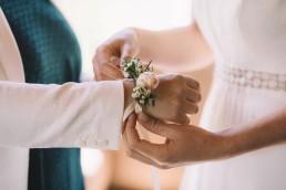 Bracelet confectionné par l'atelier Lilas Wood fleuriste mariage Grenoble, fleuriste mariage, fleuriste mariage Annecy, fleuriste mariage Genève, fleuriste mariage Chambéry en Savoie et Haute Savoie.