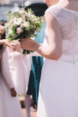 Bouquet de mariée confectionné par l'atelier Lilas Wood fleuriste mariage Grenoble, fleuriste mariage, fleuriste mariage Annecy, fleuriste mariage Genève, fleuriste mariage Chambéry en Savoie et Haute Savoie.
