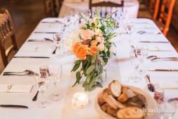 Centre de table confectionné par l'atelier Lilas Wood fleuriste mariage Beaujolais & Bourgogne, fleuriste mariage Lyon, fleuriste mariage Dijon, fleuriste mariage Mâcon, fleuriste mariage Rhône Alpes.