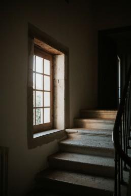 Escalier de la Tour de Labergement - LILAS WOOD - Fleuriste Mariage Dijon & Bourgogne.