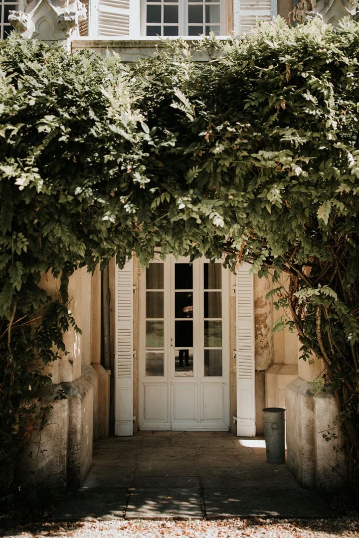 Porte de la Tour de Labergement - LILAS WOOD - Fleuriste Mariage Dijon & Bourgogne.