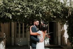 Couronne de fleurs et bouquet de la mariée confectionnés par LILAS WOOD - Fleuriste Mariage Dijon & Bourgogne.